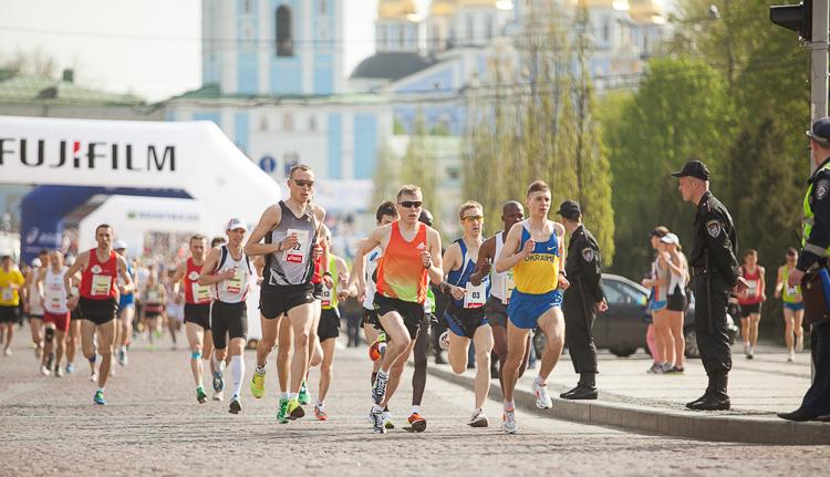киевский полумарафон, марафон, киев, михайловская площадь бег