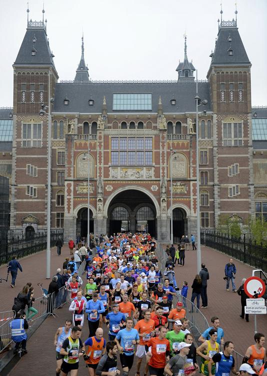 TCS-Amsterdam-Marathon-2013-Rijksmuseum