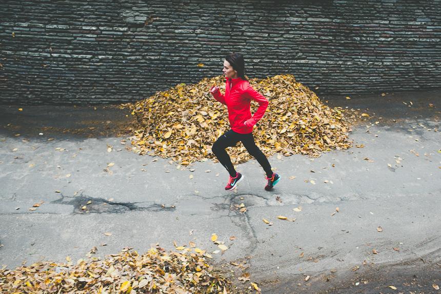 бег киев, голосеево бег, голосеевский лес бег, где бегать в киеве, анастасия береза, девушка бежит, girl running