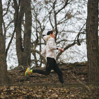 Как одеваться на пробежку весной