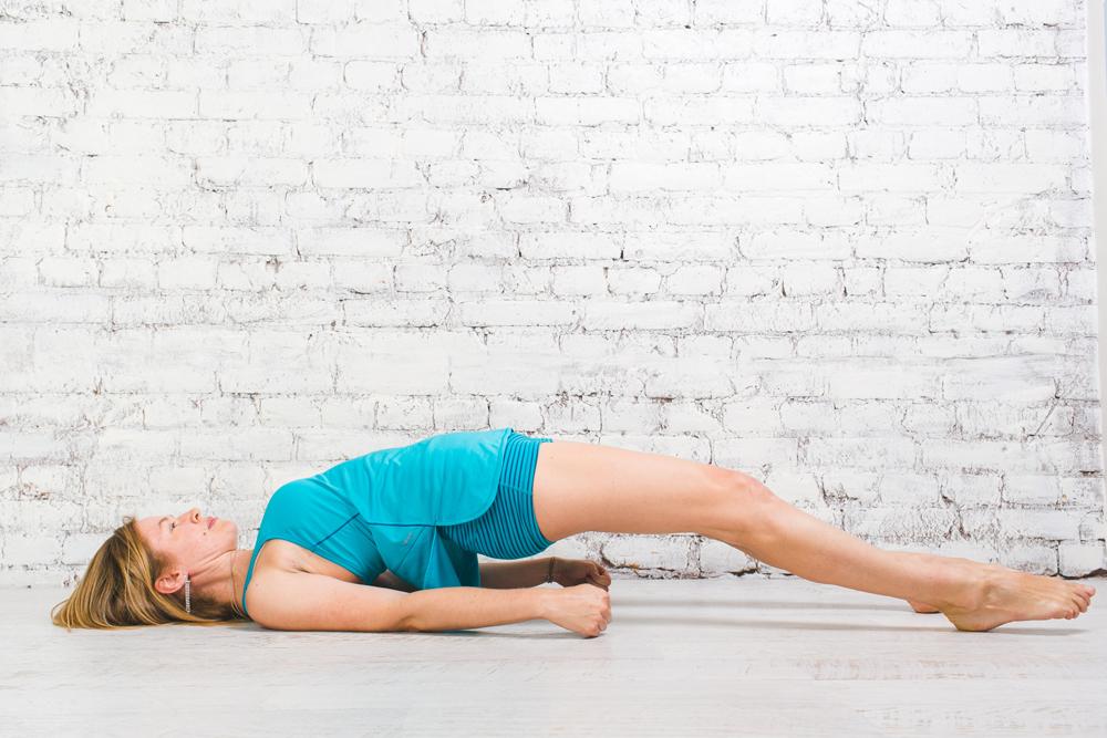 Йога для бегунов: позы для укрепления спины и мышц кора 11