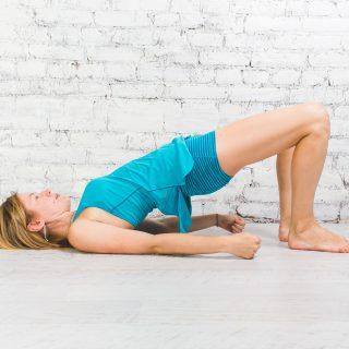 Йога для бегунов: позы для укрепления спины и мышц кора