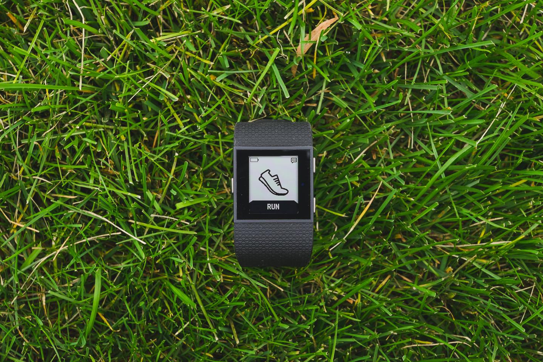 FitBit Surge - устройство строящее мосты между спортивными GPS часами и тренерами активностей 2