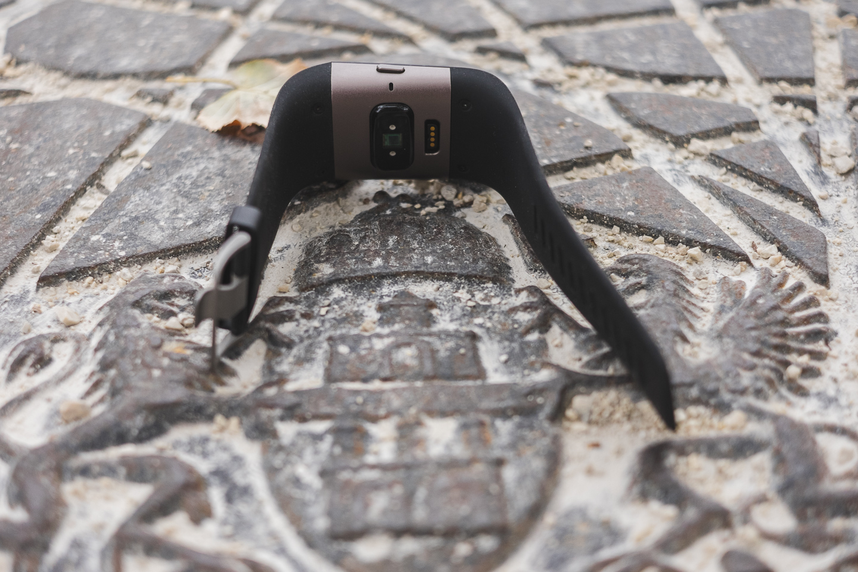 FitBit Surge - устройство строящее мосты между спортивными GPS часами и тренерами активностей 4