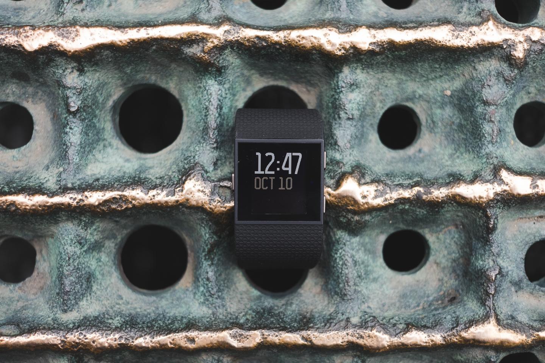 FitBit Surge - устройство строящее мосты между спортивными GPS часами и тренерами активностей 7