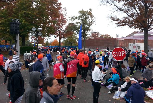 Каково это — быть волонтёром на крупнейшем марафоне мира