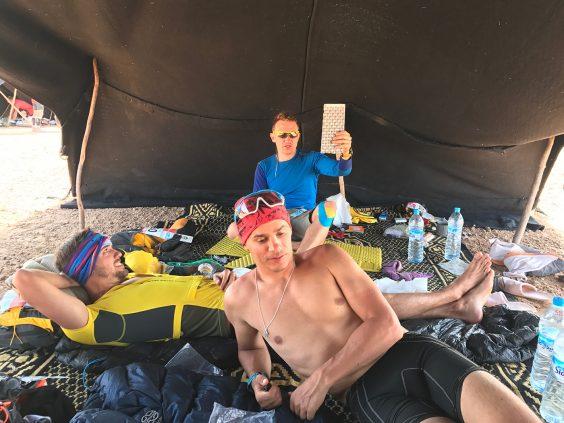 Marathon des Sables: шесть дней и 237 км в пустыне Сахара. Большой отчёт Влада Тисленко 16