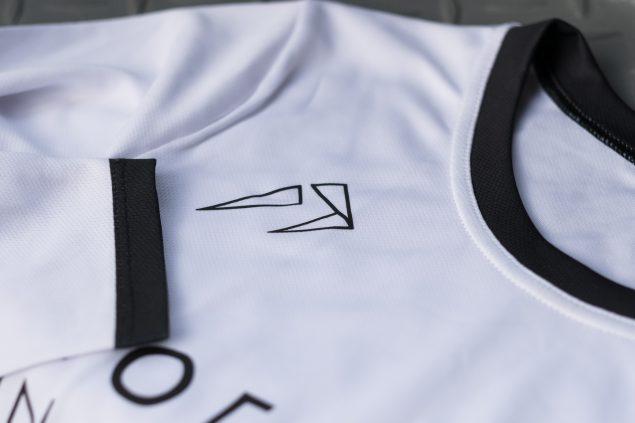 «Мерч» от Ногибоги: мы сделали футболки, в которых хочется пойти на тренировку прямо сейчас 3
