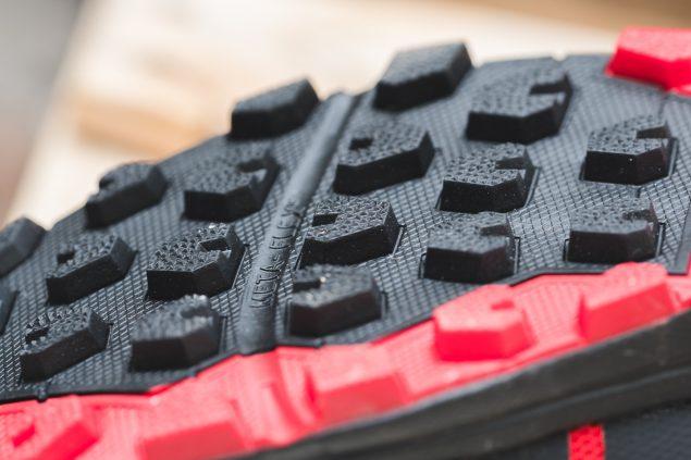 Обзор трейловых кроссовок Inov-8 Roclite 305 17