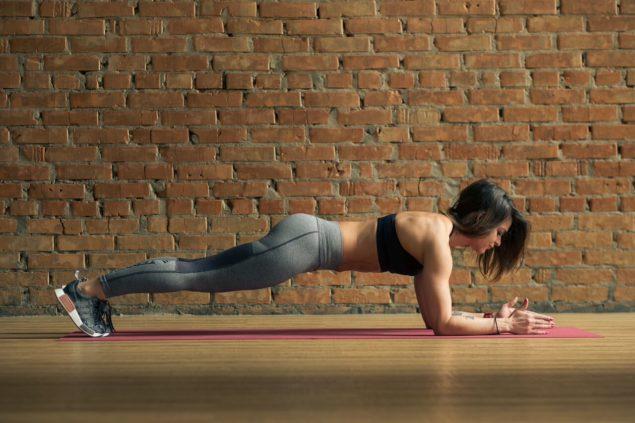 упражнения для бегунов: планка