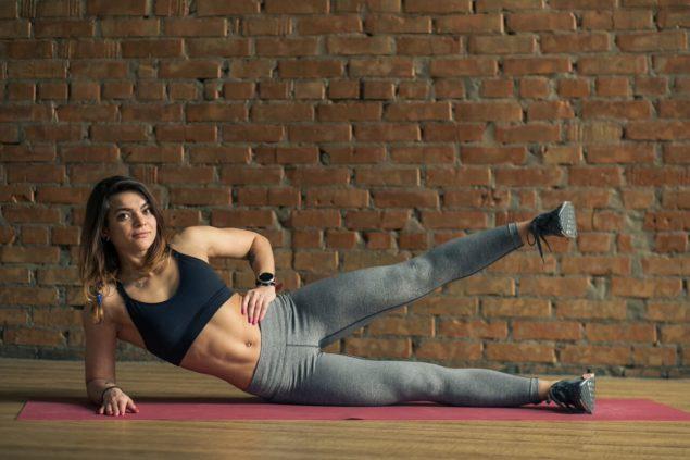 упражнения для бегунов: ножницы