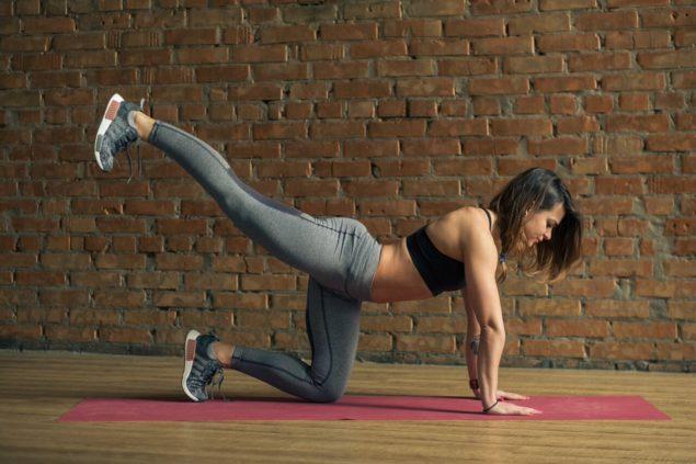 упражнения для бегунов: подъемы ног