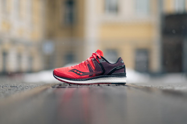 Saucony Liberty: кроссовки для бегунов с умеренной гиперпронацией