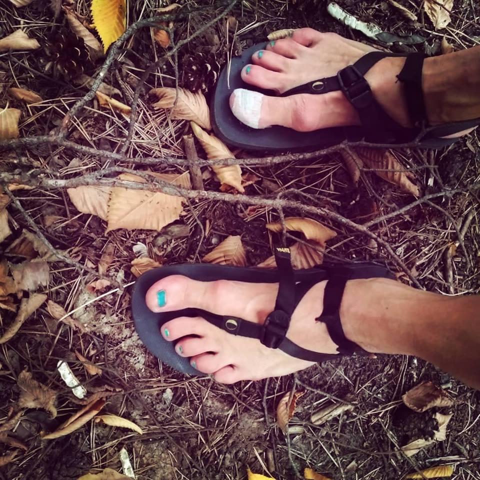 Бег в сандалиях