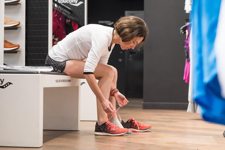 Подбор беговых кроссовок при помощи тестирования на дорожке