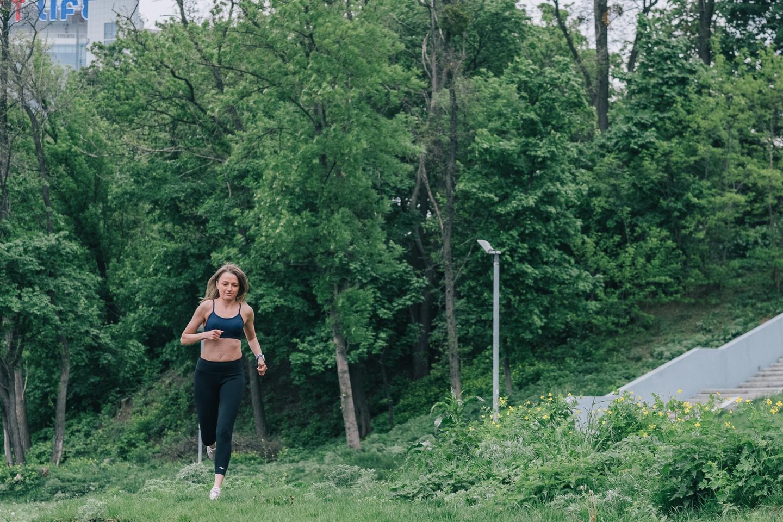Как выбрать спортивный бюстгальтер (бра) для бега