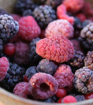 Полезны ли замороженные ягоды и овощи так же, как и свежие?