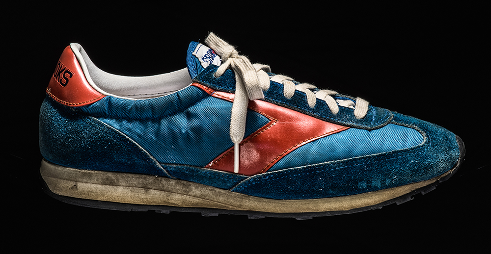 История беговой обуви