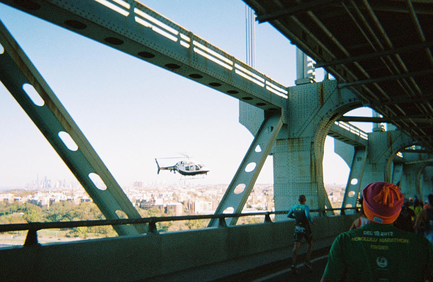 Нью-Йоркский марафон в 30 кадрах, сделанных на плёночный фотоаппарат