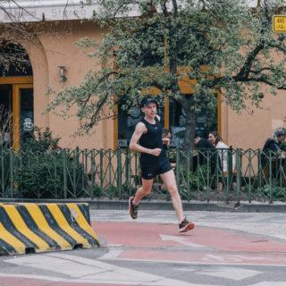 Як одягтися на пробіжку весною