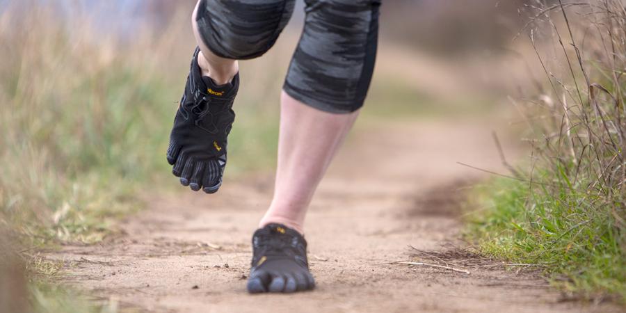Бегать в «минималистичных» кроссовках – полезно или опасно?